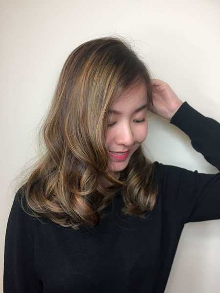 Highlights vs lowlights vs babylights and balayage vs ombre vs the highlights and lowlights balance out the entire look to add depth and dimension to the hair it also makes hair look fuller and more voluminous urmus Gallery